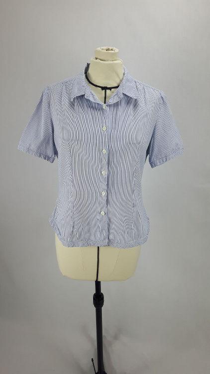 Vue de face d'un chemisier manches courtes en tissu rayé bleu - modèle exemple des ateliers Rêve à Soie