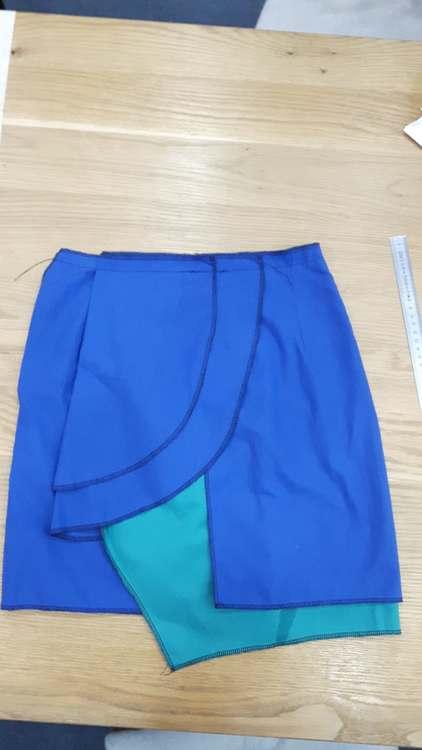 Toile de jupe drapée asymétirque - une réalisation d'une élève des ateliers Rêve à Soie
