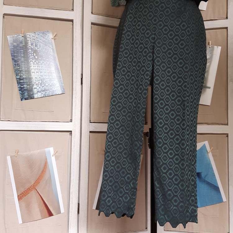 Ensemble jacquard hexagonal (pantalon) - réalisation-exemple des ateliers Rêve à Soie